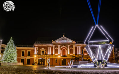 Klaipėdos vaikai ir keturių sostinių teletiltas įžiebė Klaipėdos eglę